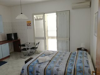 Studio in Marsala, with wonderful sea view, furnished balcony and WiFi