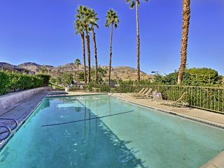 Palm Desert Townhouse w/Mtn. Views & Pool Access!