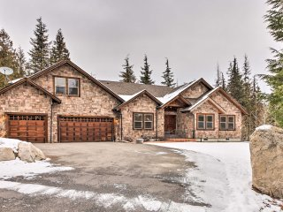Amazing Priest Lake Home on Golf Course w/ Views!