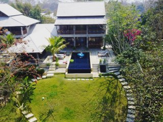 PING POOL VILLA 1, private pool riverfront villa