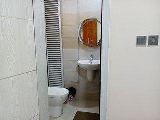 Warm,tastefully furnished 3bedroom luxury apartment