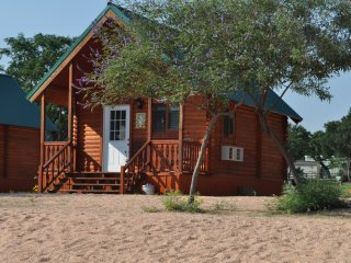 Willow Point Resort - Cabin 11