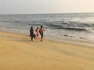 kannur west beach house, Homestay