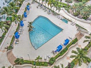 Miami Beach Sumptuous Penthouse 2/2 + Den + Jacuzzi