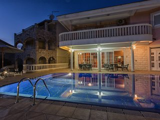 P&N RESORT > Unique and Breathtaking luxury 3BD VIlla with Pool and Sea view