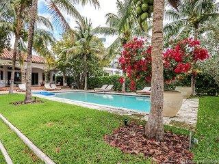 Villa Costa . Miami Paradise-Tiki Bar, Infinity Pool & Boat Slip