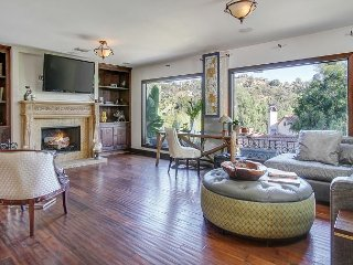 Grand 4BR Estate in the Hollywood Hills - Walk to Dining, Bars, Theaters