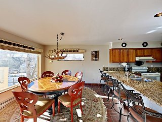 3BR w/ Deck, BBQ, & Gorgeous Mountain Views - Near Riverwalk, Drive to Slopes