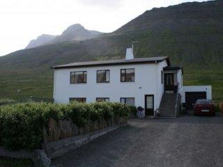 Appartement spacieux avec vue sur les montagnes et le port
