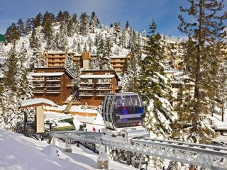 Close to Skiing! Celebrate in style-Snowboard, Ski, Casinos, Luxury Setting!