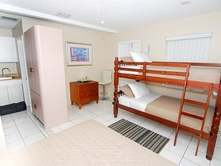 #7 Private Studio with 2 Queen beds and sofa