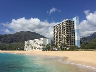 Beach Front Hawaiian Princess Corner Unit Condo/30 day min