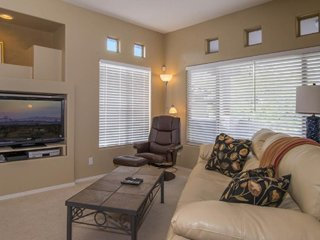 Comfortable and updated condo with a shared pool and hot tub. Golf onsite!