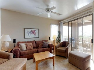 Newly remodeled condo w/ shared pool/hot tub & golf onsite - dogs welcome!