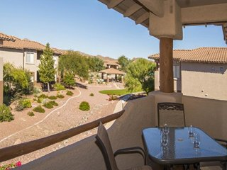 Resort condo with shared pool, hot tub, golf onsite, and mountain views!