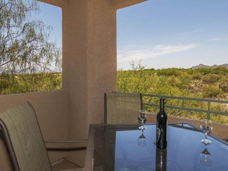 Enjoy on-site golf, a pool, hot tub, grill, and more at this dog-friendly casita