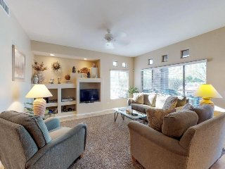Comfortable, newly updated condo with shared pool, hot tub, and golf onsite!