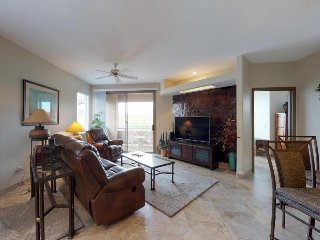 Charming condo w/ onsite golf, shared pool, hot tub, & private patio