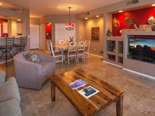 Colorful and art-filled condo with a shared pool, hot tub, and golf onsite!