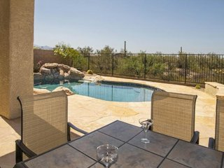Spacious vacation home w/ private pool/hot tub, and golf onsite!