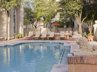 Contemporary condo with a shared pool and hot tub! 2 dogs ok!