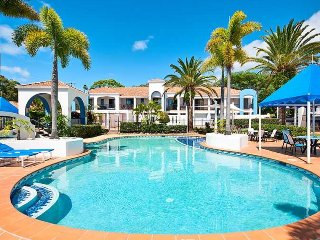 Blissful entire villa in the heart of Nobbys Beach