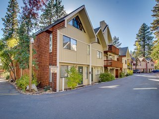 Dog-friendly condo w/ deck & shared pool - close to lake, casinos, & skiing