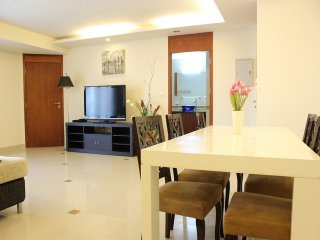 Large 2 Bedroom City Gardent Pattaya Near Beach