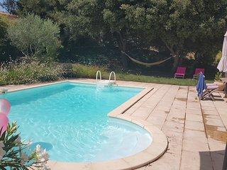 Maison de vacances avec piscine et jardin