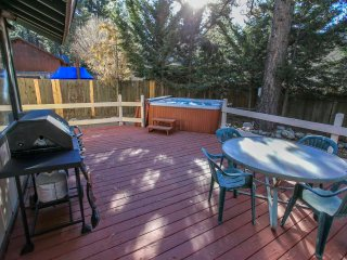 ~Cozy Up To Summit~Newly Renovated~Hot Tub~Game Room Garage~Walk To Resort~