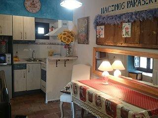 Estudio en dos alturas en el centro del Casco Histórico. Entrada independiente.