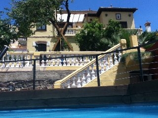 Andalucian villa with pool n private parking