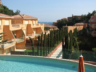Exceptional, Steps_to_sea, Top Quality 3 rm (2 BDRM) Apartment Theoule (Miramar)