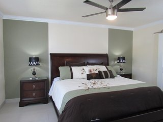 Wonderful 2BR Condo. 1 Mile from IMG Academy/Mins to Beaches & Anna Maria Island