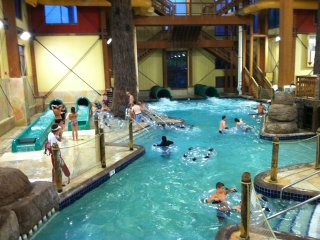 Wyndham Glacier Canyon ~ 2B ~ Waterpark Passes Included ~ Sleeps 8