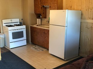 Cozy South Fork vacation rental w/ kitchen, free WiFi - dogs welcome!