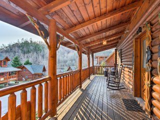 'Candle Light Cabin' NEW-Pigeon Forge 2BR-Hot Tub
