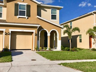 Four Bedrooms TownHome 5129