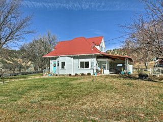NEW! 3BR House Between Zion & Bryce Canyon Parks!