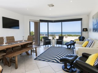 THE BEACH HOUSE on Henley Beach's prestigious Esplanade