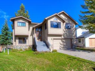 3 Bedrooms Home in South Lake Tahoe 1027