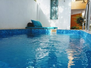 Villa with Plunge pool & jacuzzi