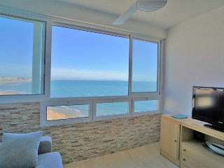 314 - 1bedroom front line with sea views