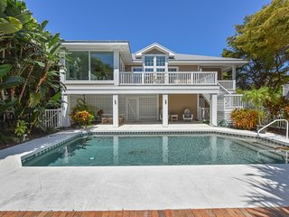 Boca Grande Waterfront Cottage with POOL!