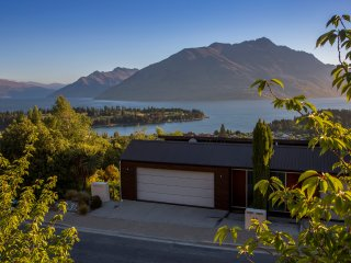 this prestigious Queenstown Hill address offers privacy while still being walking distance to town