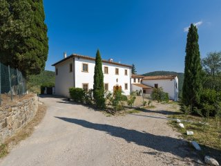Villa al Pozzo- Wonderful 4bdr mansion few km from Florence