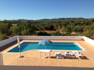 Algarve- Spacious Villa with Private Swimming Pool