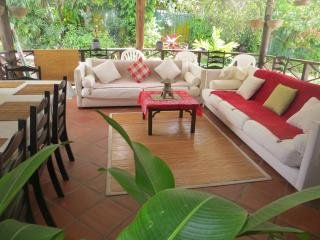 EcoFriendly Exquisite Humming Bird Apartment, vacation rental in Bridgetown