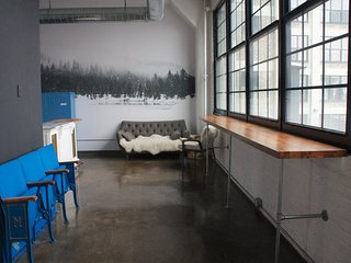 Light-filled Industrial Loft Above Brewery & Restaurants | 20 Mins to Superbowl