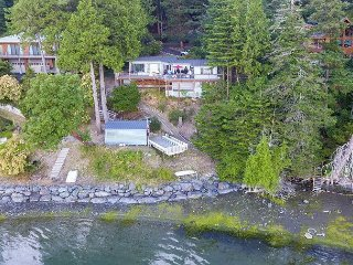 Westcott Bay Crab Trap - A Gorgeous Modern Waterfront Classic!